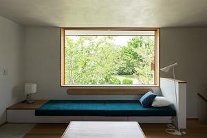 3 琵琶湖湖畔の家